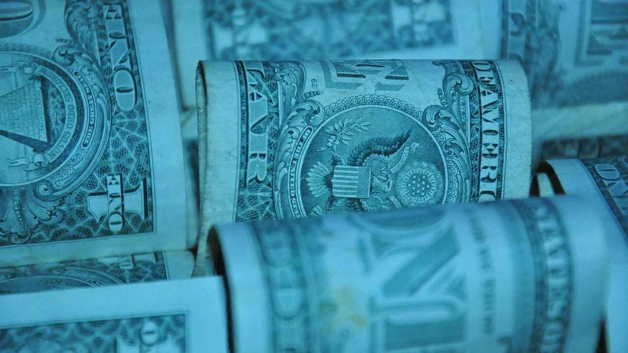 Dollaro e costo del denaro