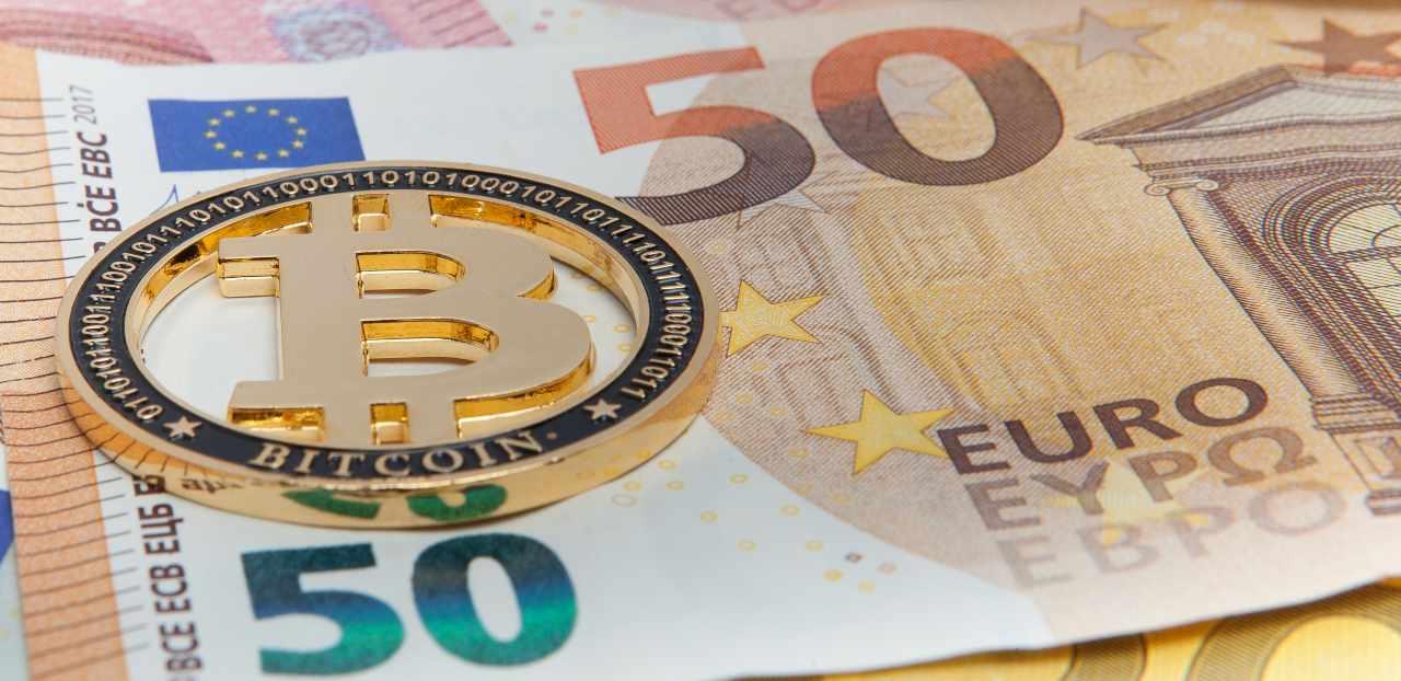 adattamento in contanti bitcoin)