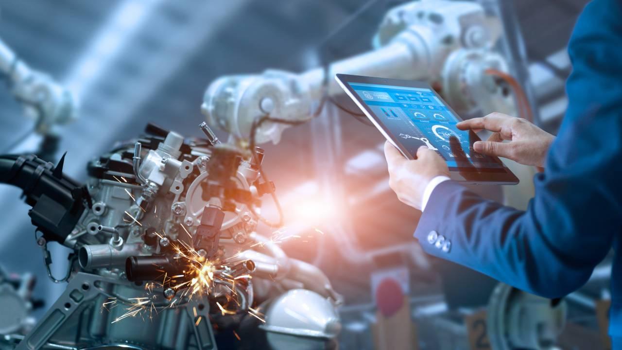 fabbrica tecnologica