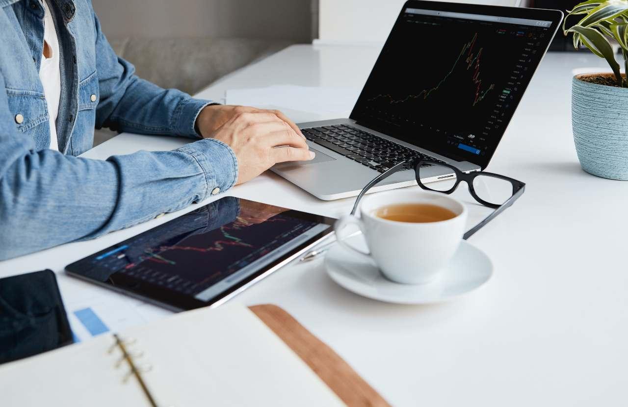 Computer e caffè