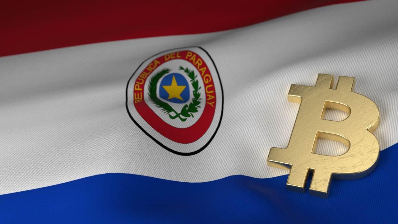 Bandiera Paraguay e simbolo Bitcoin